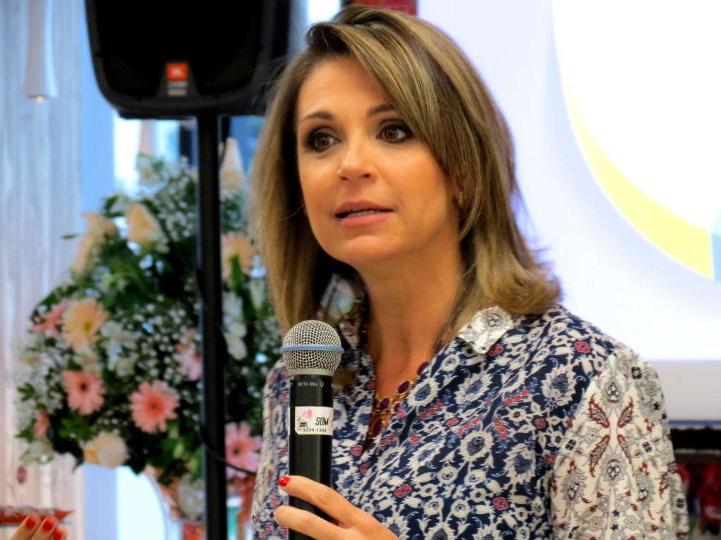 Fotos  Gaúcha Megastore, Érika Okazaki e Ana Paula Mocelin. a8e36dc502