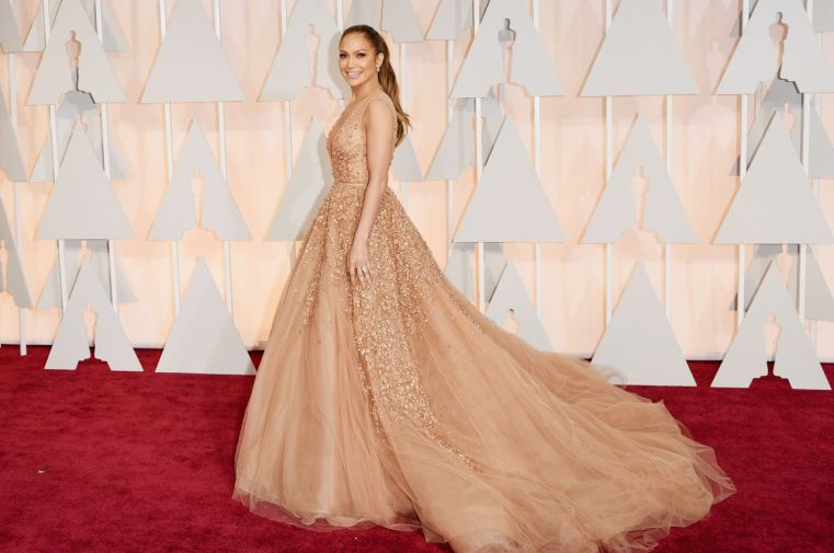 jennifer-lopez-2015-oscars-red-carpet-in-hollywood_3