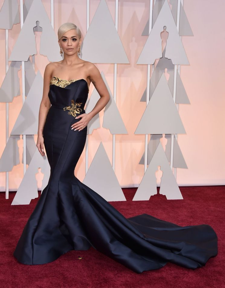 rita-ora-2015-oscars-red-carpet-in-hollywood_2