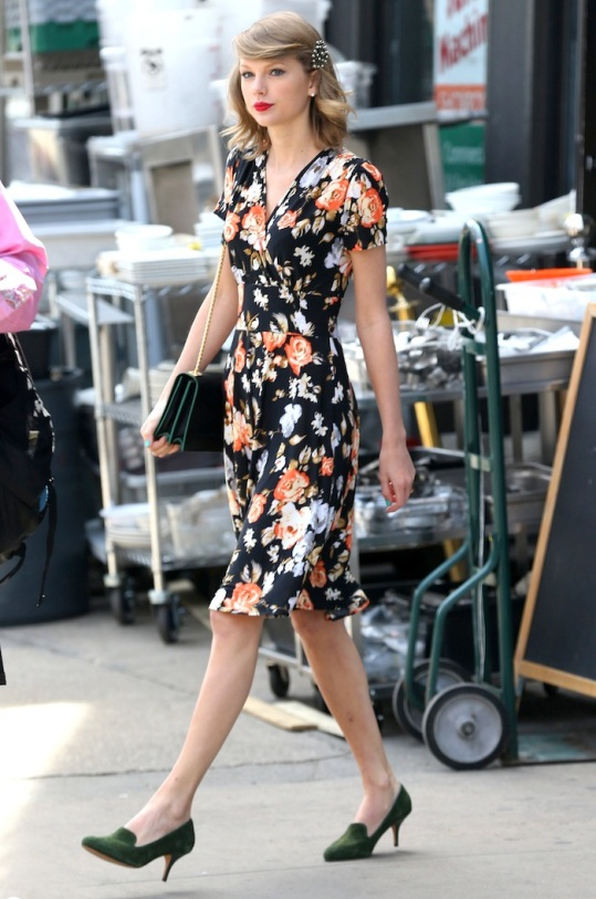 "51396292 ""22"" singer Taylor Swift spotted out and about in New York City, New York on April 28, 2014. FameFlynet, Inc - Beverly Hills, CA, USA - +1 (818) 307-4813"