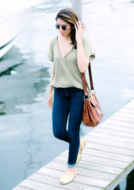 look-avarca-branca-tshirt-calca-jeans