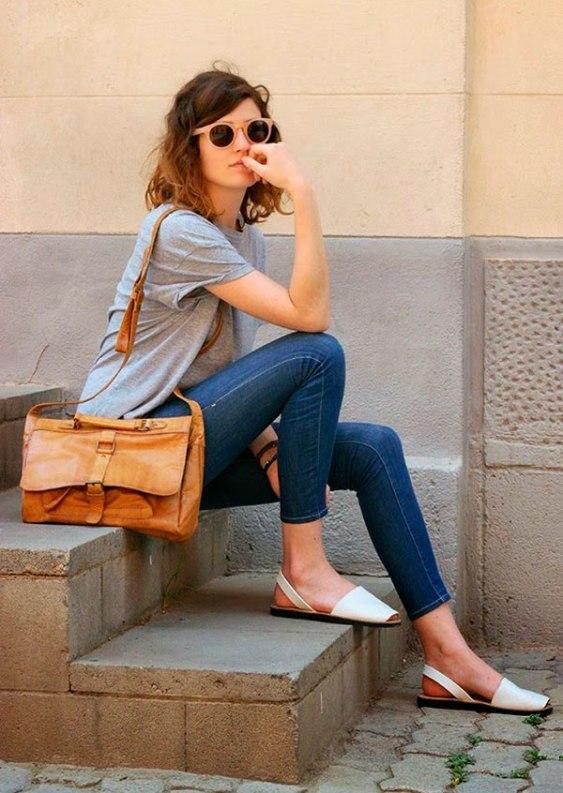street-style-look-basico-tshirt-calca-jeans-avarca-161111-044133